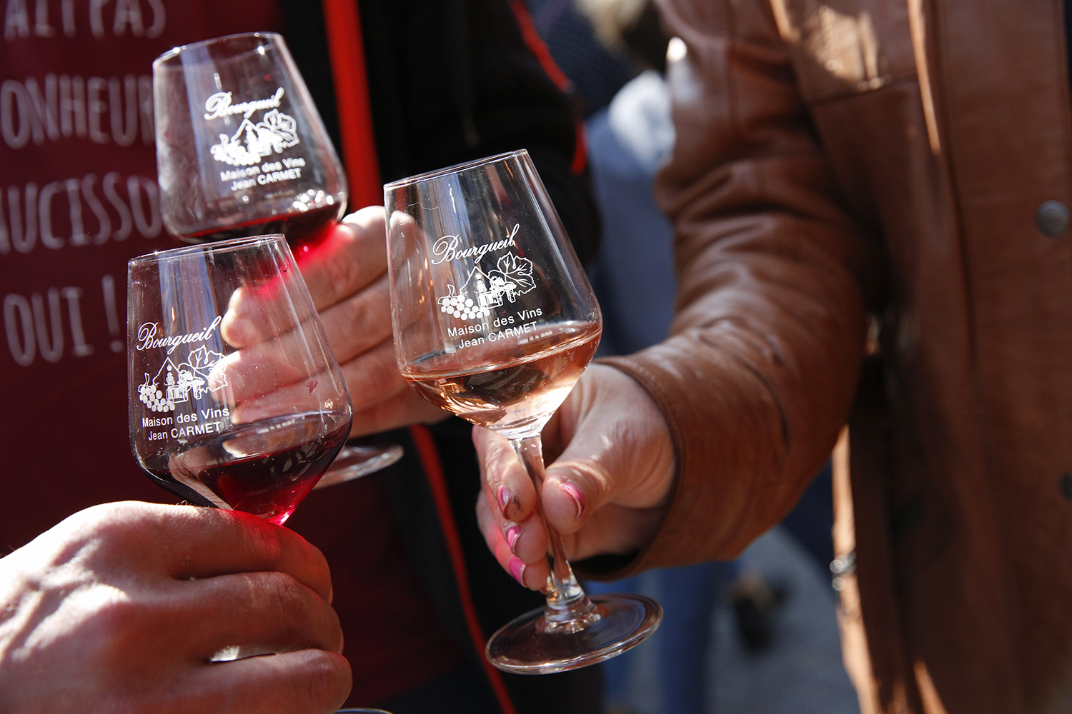 photo de la fete des vins de bourgueil a tours